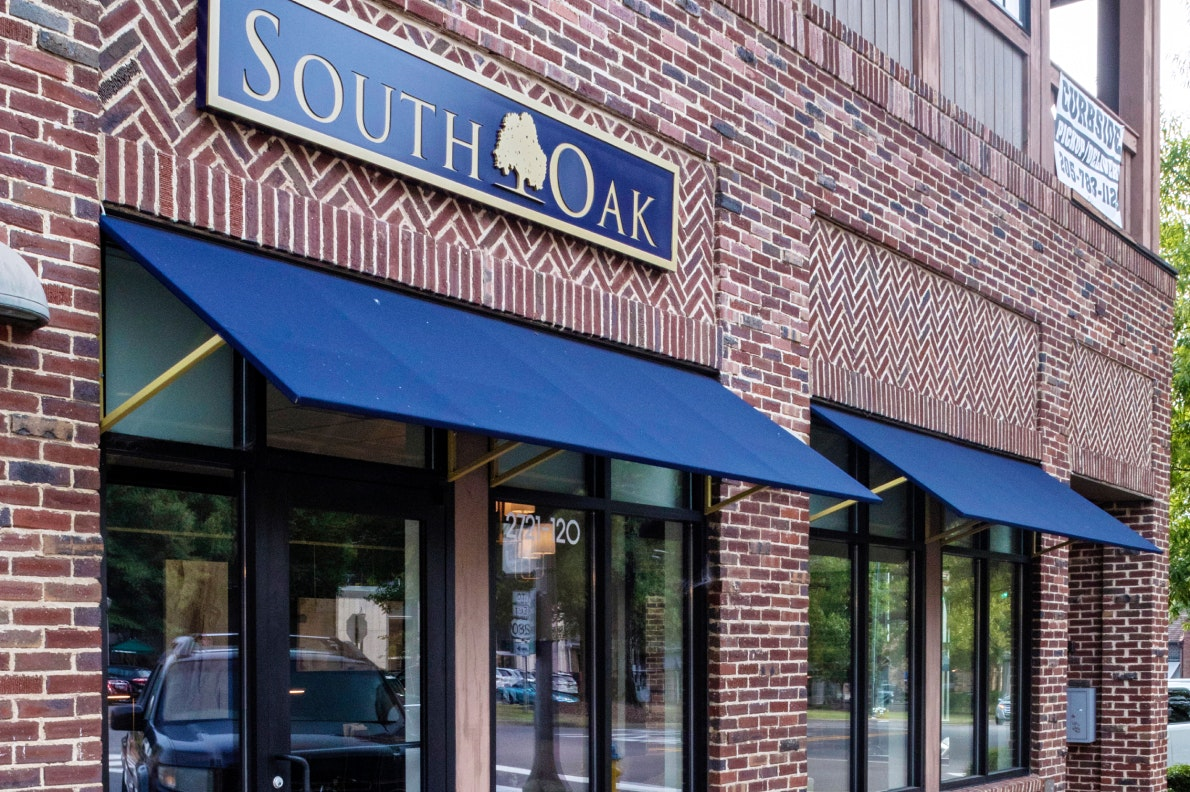 exterior of south oak title and closing mountain brook in birmingham alabama
